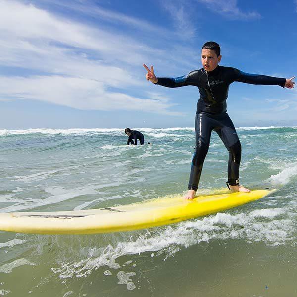 קייטנת גלישה חגים גל ים בחוף